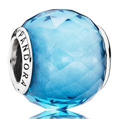 Hellblauer Charm Glaskristall Silber