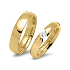 Yellow Gold Plated Stainless Steel Wedding Ring With Stone