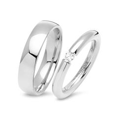 Polished Stainless Steel Wedding Rings With Gemstone