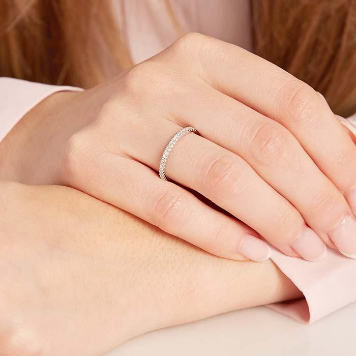 Glänzender Diamantring 750er Weißgold