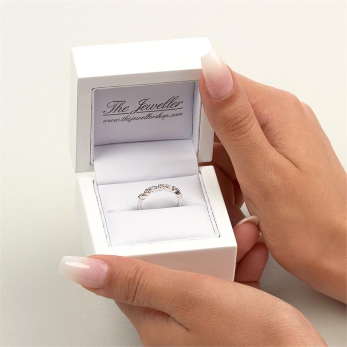 585er Weißgold-Ring mit 7 Diamanten 0,07 ct.
