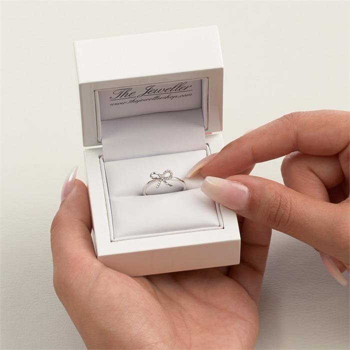 585er Weißgold Ring Schleife mit 14 Diamanten