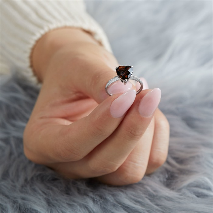 14 Karat Weißgold Ring Rauchquarz 8 Diamanten