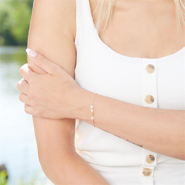 Engraving 9 Carat Gold Bracelet With Heart