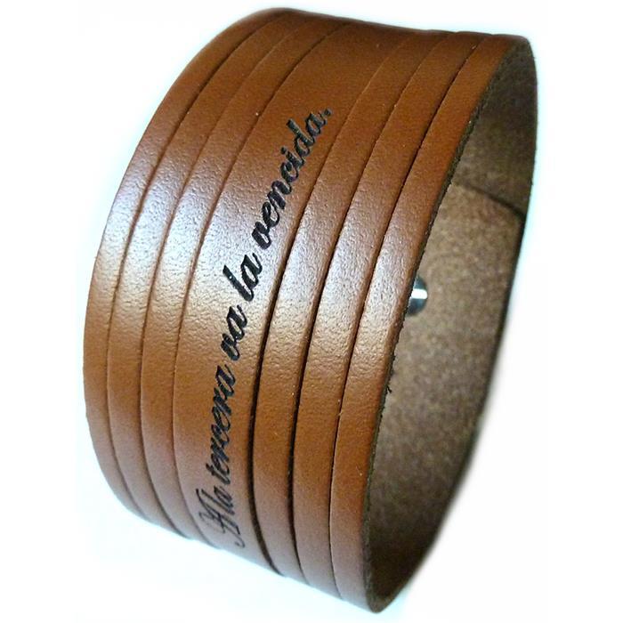 Angesagtes Echtlederarmband mit Lasergravur