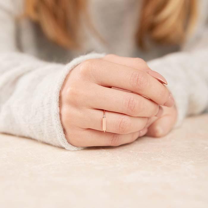 Ring im Stäbchen Design aus 925er Silber rosévergoldet