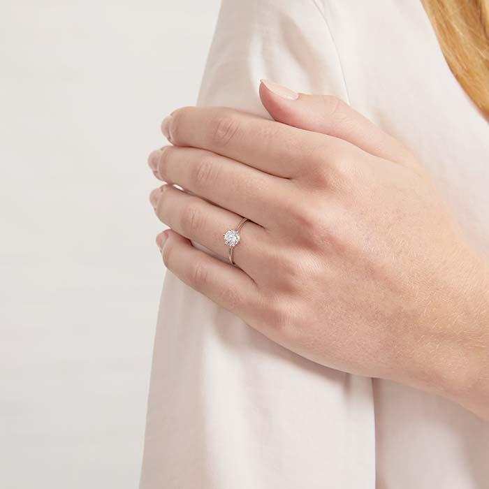 9K Weißgold Verlobungsring mit Zirkoniabesatz