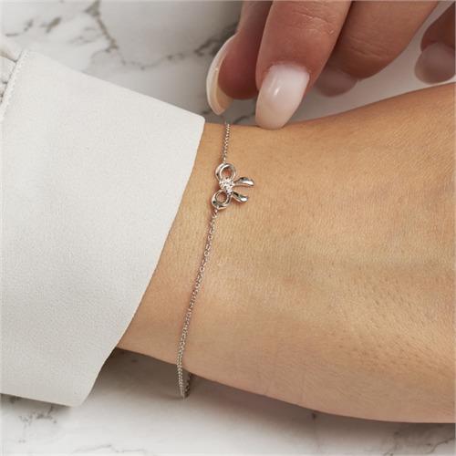 14 Karat Weißgold Armband Schleife 7 Diamanten