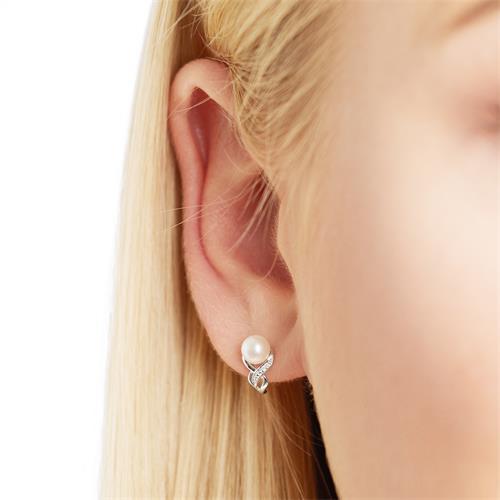 14K Weißgold-Ohrstecker mit Perlen und Brillanten