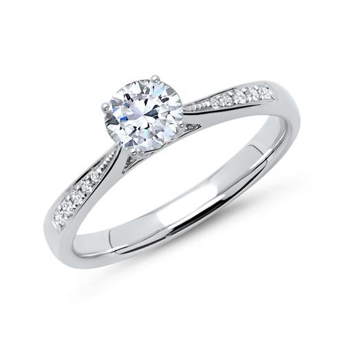 Ring aus 950er Platin mit Diamanten DR0144-PT