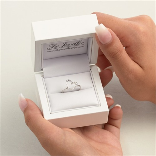 Weißgold-Ring in Herzform Diamant 0,088 ct.