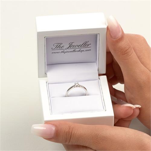 585er Weißgold-Solitär-Ring mit Diamant 0,10 ct.