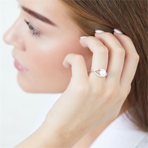 585er Weißgold-Ring Perle Diamanten 0,054 ct.