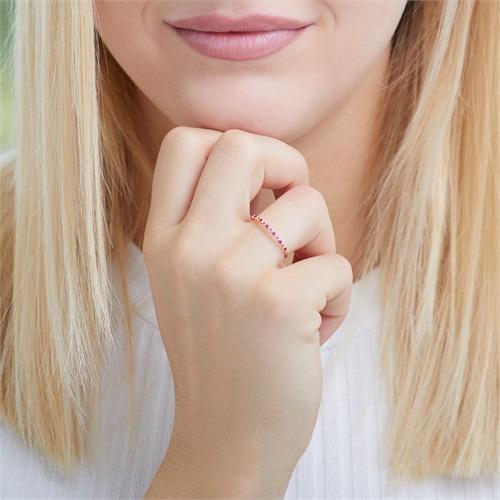 Ring aus 585er Roségold mit Rubinen