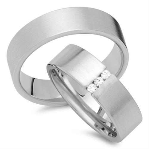 Eheringe gold mit 3 diamanten  Eheringe 333er Weissgold 3 Brillanten EHE0264-3s