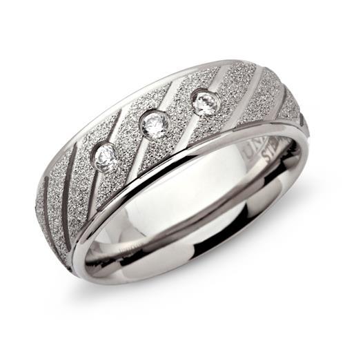 Ring Edelstahl diamantiert 7mm Zirkonia