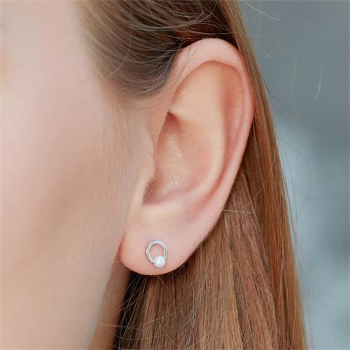 Kreis Ohrstecker aus Sterlingsilber mit Perlen