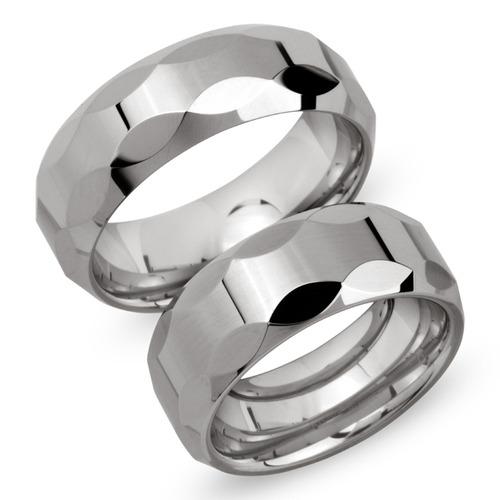Glänzende Eheringe aus Wolfram Lasergravur