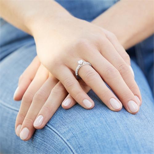Verlobungsring aus 925er Silber mit Zirkonia