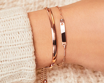 Engravable bracelets in rose gold